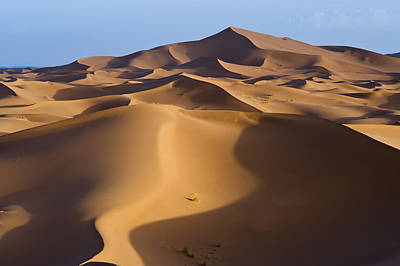 Sunrise In The Erg Chebbi Dunes At Merzouga, Algerian Border, Morocco Print by Rob Henderson