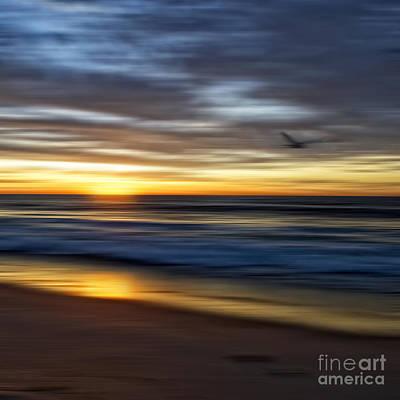 Sunrise Over The Ocean Print by Diane Metz