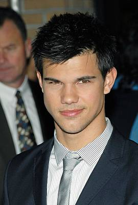 The Twilight Saga New Moon Premiere Photograph - Taylor Lautner  At Arrivals For Special by Everett