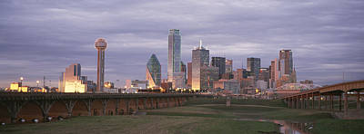 The Dallas Skyline At Dusk Print by Richard Nowitz
