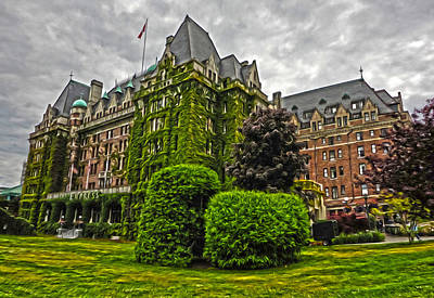 The Empress Hotel On Victoria Island Print by Gregory Dyer