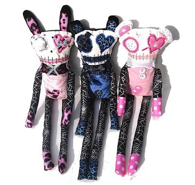 Oddling Sculpture - The Spots And Dots Zombie Trio by Oddball Art Co by Lizzy Love