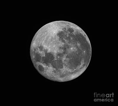 The Supermoon Of March 19, 2011 Print by Phillip Jones