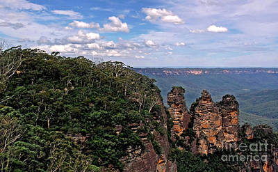 The Three Sisters - The Blue Mountains Print by Kaye Menner