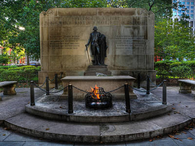 Statue Portrait Photograph - Tomb Of The Unknown Revolutionary War Soldier II - George Washington  by Lee Dos Santos