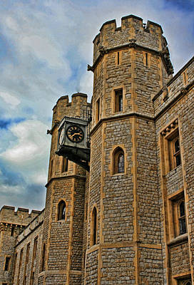 Tower Of London Photograph - Tower Of London by Heather Applegate