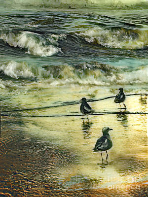 Atlantic Ocean Mixed Media - Walking At Beach by Anne Weirich