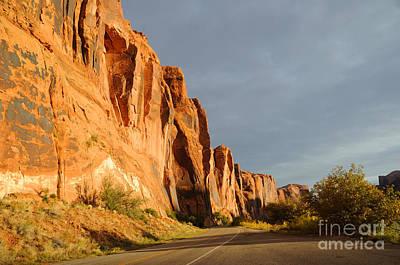 Wall Street Cliff Near Moab Print by Gary Whitton