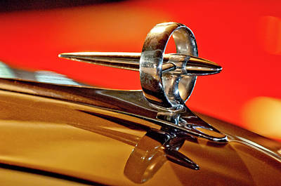 Hoodie Photograph - 1947 Buick Roadmaster Hood Ornament by Jill Reger
