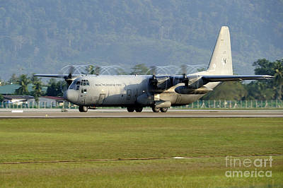 A C-130j Hercules Of The Royal Print by Remo Guidi