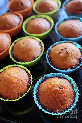 Silicon Photograph - Baked Cupcakes by Carlos Caetano