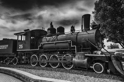 Old Trains Photograph - Baldwin Steam Engine by Garry Gay