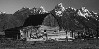Black And White Rural Photograph - Barn In The Mountains by Andrew Soundarajan
