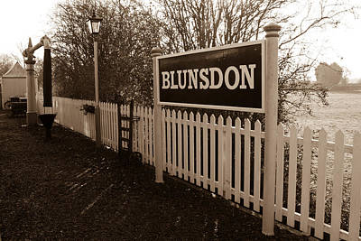 Blunsdon Station At Swindon And Cricklade Railway Print by Steven Sexton