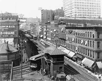 Historic Chicago Photograph - Chicago's Wabash Avenue  1907 by Daniel Hagerman
