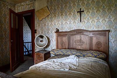Deserted Bed Room - Urban Exploration Print by Dirk Ercken