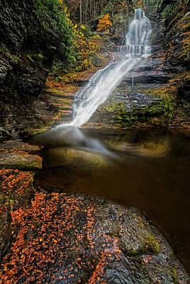 Waterfall Photograph - Dingmans Falls by Susan Candelario