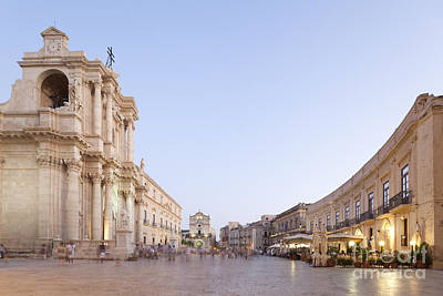 Evening Atmosphere At The Piazza Duomo Of Siracusa Print by Wolfgang Steiner