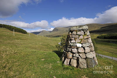 Glen Photograph - Glen Lyon by Stephen Smith