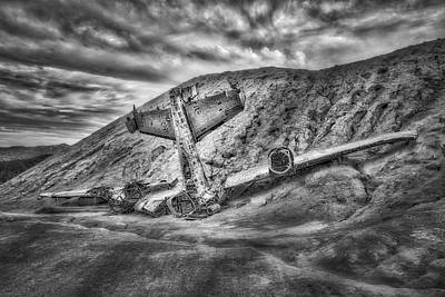 Abandoned Air Plane Photograph - Grounded Plane Wreck by Susan Candelario