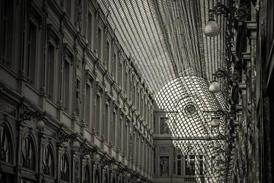 Les Galeries Royales Saint-hubert Print by Chris Fletcher