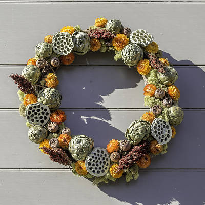 Carter House Photograph - Mckenzie Apothecary Wreath by Teresa Mucha