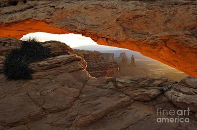Us Open Photograph - Mesa Arch Sunrise - D003097 by Daniel Dempster