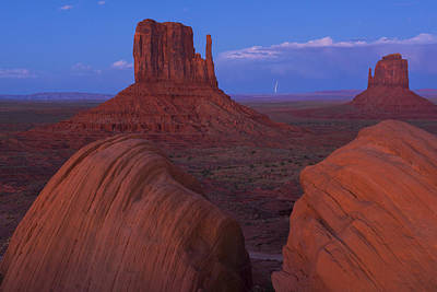 Landscap Photograph - Monument Valley by Christian Heeb