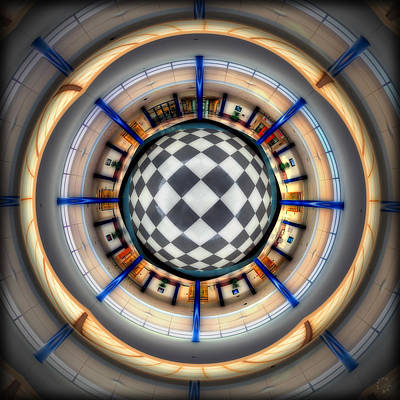 Optical Illusion Photograph - Rotundiary Illusion by Lar Matre