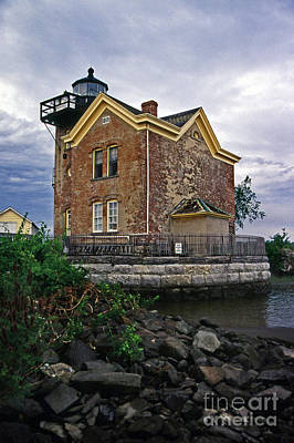 Saugerties Photograph - Saugerties Lighthouse Ny by Skip Willits