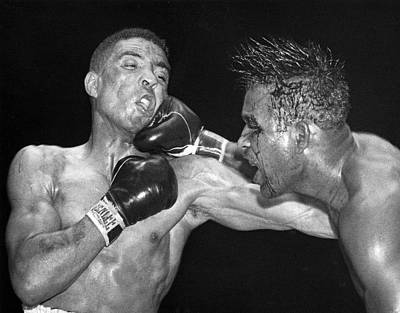 Knockout Photograph - Sugar Ray Throws A  Right by Underwood Archives