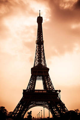 The Eiffel Tower In Paris During Sunset Print by Nila Newsom