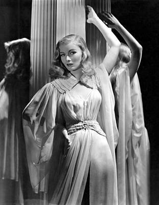 Belted Dress Photograph - Veronica Lake, Paramount Pictures by Everett