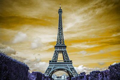 Urban Pyrography - The Eiffel Tower by Artistic Panda
