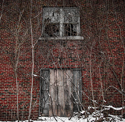 Abandoned Photograph - 109 Lincoln Ave. by George Patterson