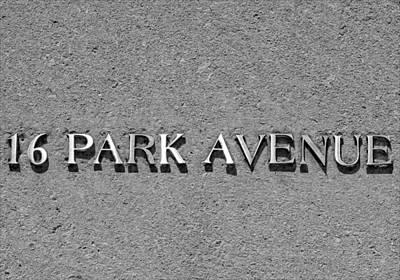 16 Park Avenue Print by Robert Ullmann