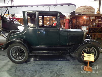 1923 Ford Model T Photograph - 1923 Model T Coupe by Charles Robinson