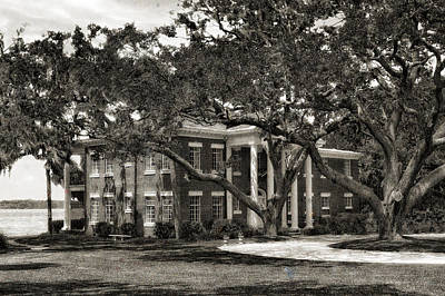 1931 Florida Waterfront Home - 3 Print by Frank J Benz