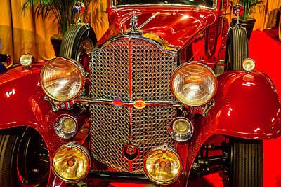 Headlight Photograph - 1932 Packard Model 902 by Garry Gay