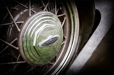 Lincoln Photograph - 1933 Lincoln Kb Judkins Coupe Emblem - Spare Tire -0167ac by Jill Reger
