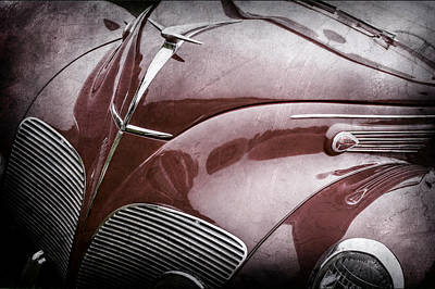 Lincoln Photograph - 1938 Lincoln-zephyr Convertible Coupe Grille - Hood Ornament - Emblem -0108ac by Jill Reger