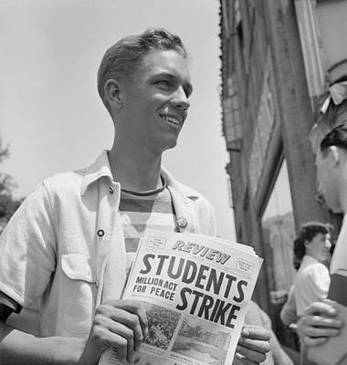 Anti-war Photograph - 1940 Peace Strike At Berkeley. Student by Everett