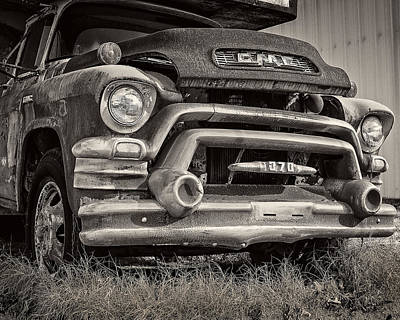 Rusty Old Trucks Photograph - 1950s Gmc 370 by Jon Woodhams