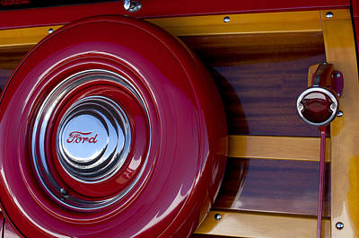 Ford Custom Photograph - 1951 Ford Custom Deluxe Woody Taillight by Jill Reger