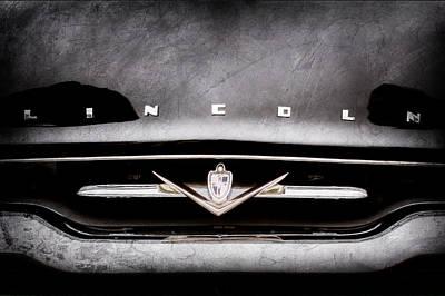 Lincoln Photograph - 1952 Lincoln Derham Town Car Grille Emblem -0423ac by Jill Reger