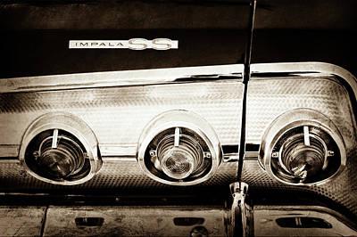 1962 Chevrolet Impala Ss Taillight Emblem -078s Print by Jill Reger