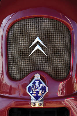 Hoodie Photograph - 1979 Citroen 2cv Speedster Hood Ornament by Jill Reger
