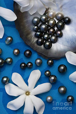 Tiare Photograph - Black Pearls And Tiare Flowers by Jean-Louis Klein & Marie-Luce Hubert