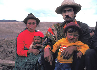 Campesino Family In Columbia Print by Carl Purcell