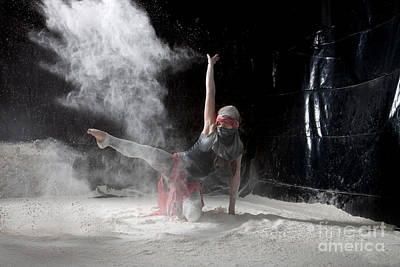 Horizontal Photograph - Flour Dancing Series by Cindy Singleton